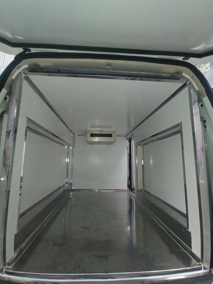 xe tải van đông lạnh dongben
